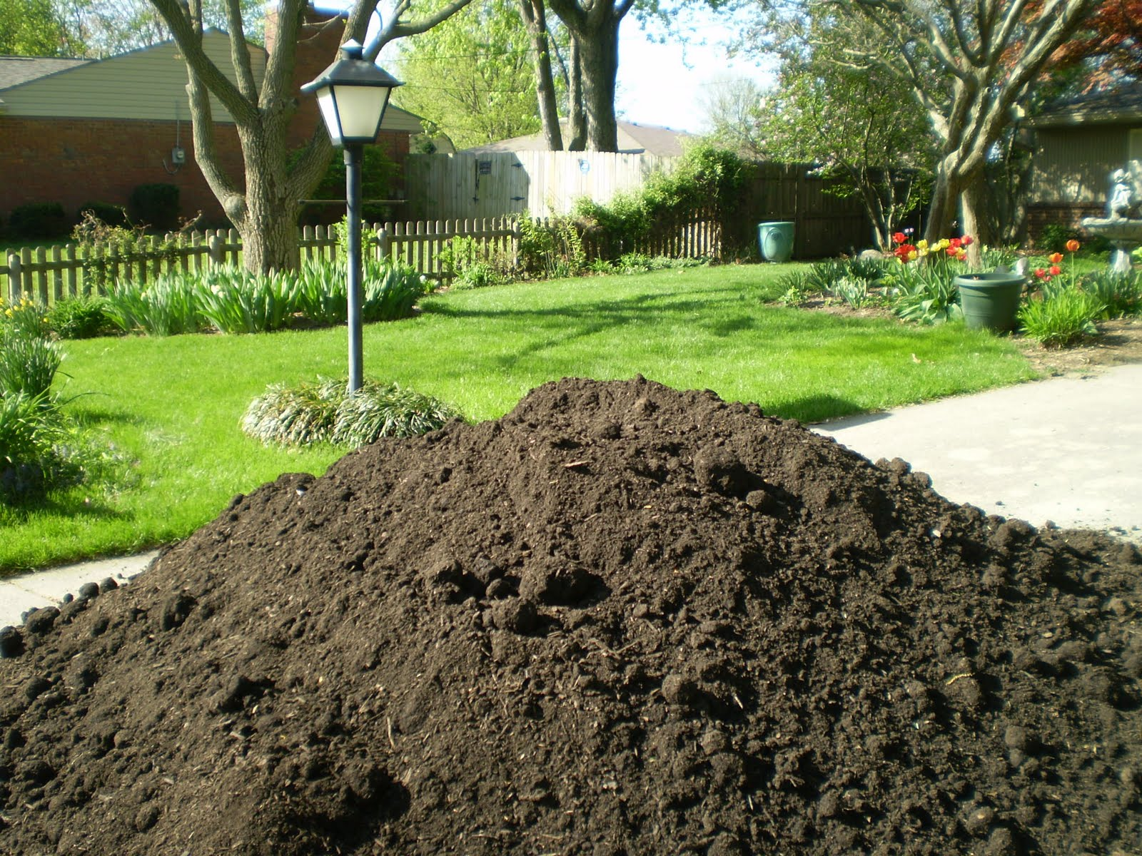 Cliff 39 s landscaping supplies soils garden mix for Garden soil mix